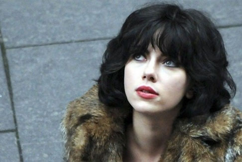 Under the skin: il buio sotto la pelle