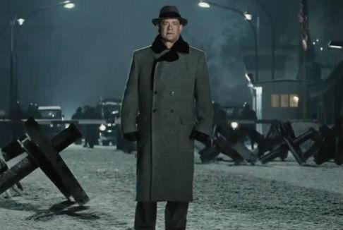 Il ponte delle spie: Tom Hanks, un americano a Berlino