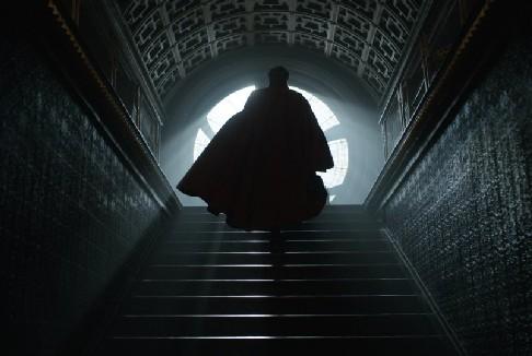 Doctor Strange: online il primo trailer