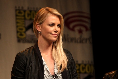 Charlize Theron protagonista e produttrice di Need to Know