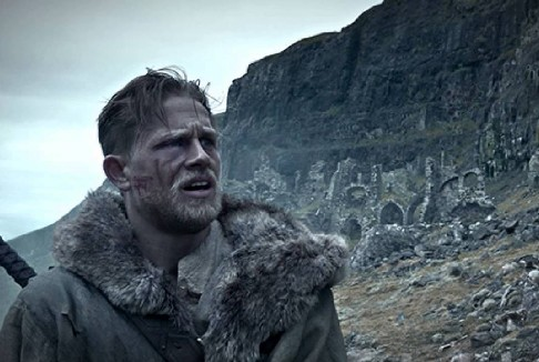 King Arthur – Il Potere della Spada: il trailer ufficiale italiano