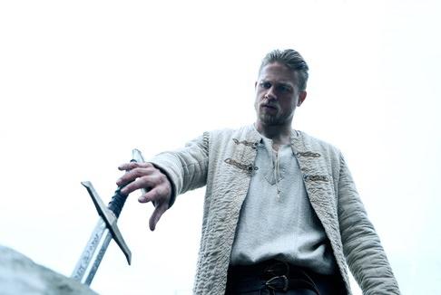 King Arthur – Il potere della Spada: Questa è Camelot!
