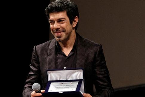 """Pierfrancesco Favino al Bif&st: """"Noi attori siamo solo un tramite, il pubblico è sovrano"""""""